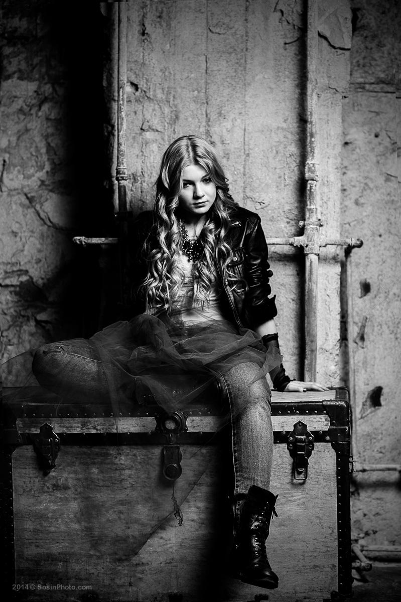 Портрет девушки в студии
