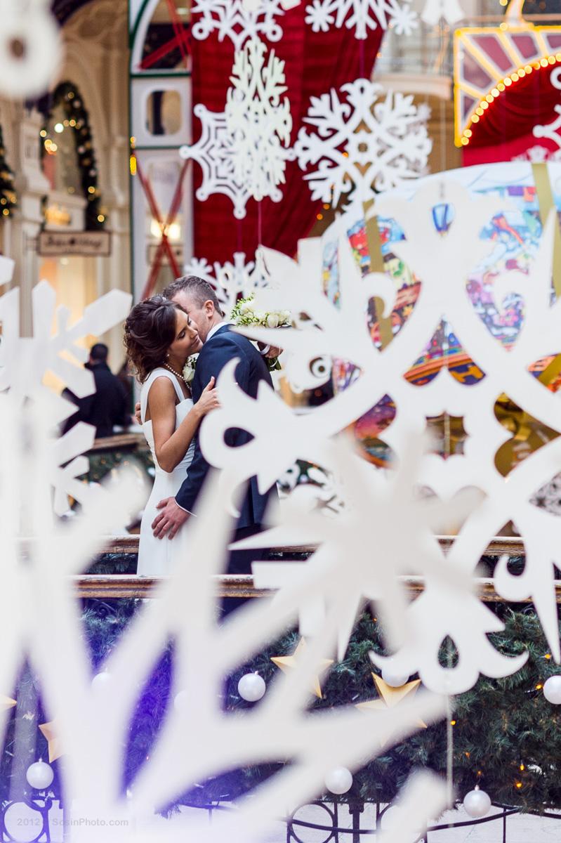 Жених и невеста ГУМ зима.